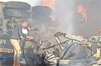 انفجار سيارة تسير بسرعة جنونية في الاتجاه المعاكس على طريق الجلالة | فيديو