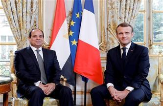 الرئيس السيسي وماكرون يناقشان التعاون في المجالات الاقتصادية والعسكرية