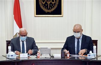 وزير الإسكان ومحافظ بورسعيد يتابعان المشروعات الجاري تنفيذها بالمحافظة | صور