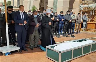 أسامة الأزهري يؤم المصلين في جنازة الدكتور محمد وهدان بمسجد الشرطة | صور