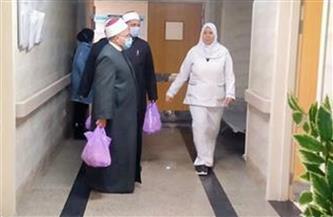 توزيع 100 وجبة طعام على مرضى معهد الأورام والجهاز الهضمي بدمياط