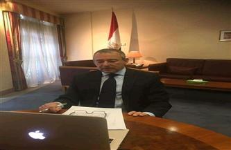 الأمين العام للمنظمة البحرية الدولية يهنئ سفير مصر في لندن بنجاح تعويم السفينة الجانحة صور