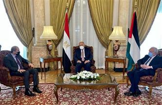وزراء خارجية مصر والأردن وفلسطين يؤكدون التنسيق بينهم لإعادة إحياء مسار السلام في الشرق الأوسط
