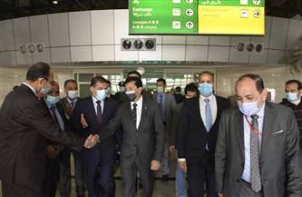 نائب محافظ أسيوط يستقبل وزير الشباب والرياضة بمطار أسيوط الدولي