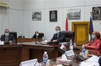 وزير السياحة والآثار يعقد اجتماعًا لمناقشة عدد من الموضوعات الهامة | صور