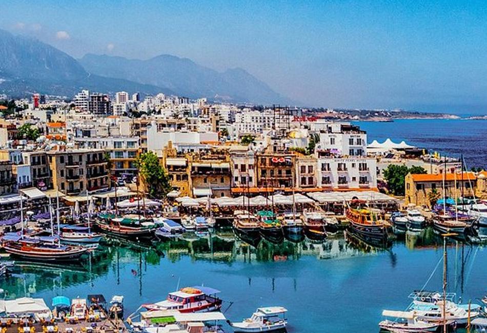اعتراض العشرات من المهاجرين قبالة قبرص