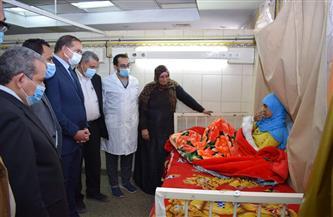 رئيس جامعة سوهاج يزور «سيدة الساطور»   صور