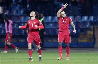 أرمينيا تسجل هدفين في آخر أربع دقائق لتفوز 3-2 على رومانيا