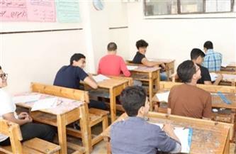 بدء الامتحان المجمع لكل المواد لطلبة الصف الثاني الإعدادي في 35 سؤالا يشملون مناهج الترم الأول