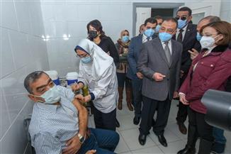 الإسكندرية تبدأ تطعيم كبار السن وأصحاب الأمراض المزمنة بلقاح كورونا | صور