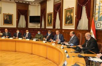 محافظ القاهرة يلتقي مدير صندوق تطوير العشوائيات لبحث المشروعات الجاري تنفيذها