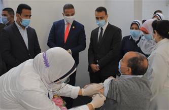 """محافظ الفيوم يشهد فعاليات اليوم الأول لتلقي المواطنين لقاح """"كورونا"""" صور"""