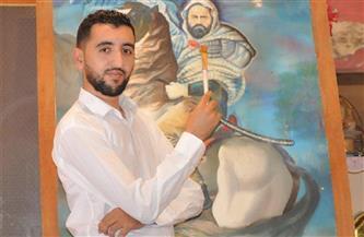 الجزائري شمس الدين بلعربى يجمل الجدران بنجوم السينما العالمية
