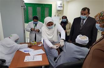 مدير الطب الوقائي بأسيوط: 200 شخص سجلوا اليوم للحصول على مصل كورونا|صور