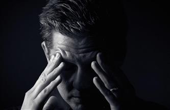 """""""صعوبة اتخاذ القرار والانسحاب الاجتماعي"""".. أهم أعراض اكتئاب الربيع"""