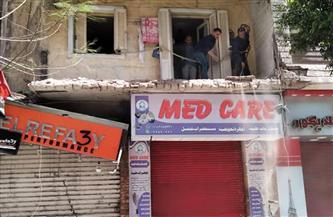 إزالة شرفة عقار في الإسكندرية انهارت أجزاء منها| صور