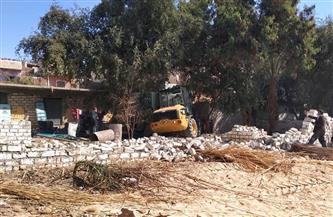 إزالة تعديات على أراض زراعية وأملاك في قرى 5 مراكز بأسيوط| صور