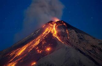 بعد خموله لعشرات السنين.. ثوران بركان في جنوب الكاريبي وإجلاء الآلاف