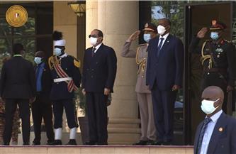"""زيارة الرئيس السيسي اليوم للخرطوم تتويج لـ """"نقلة نوعية"""" في التعاون العسكري والإستراتيجي والاقتصادي"""