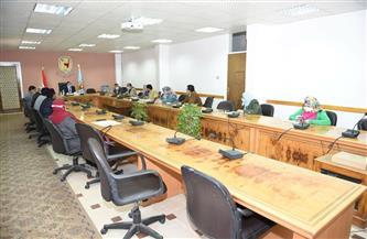 مجلس إدارة المدن الجامعية بسوهاج يناقش خطة تطوير الخدمات الطلابية | صور