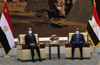 الرئيس السيسي والبرهان يبحثان مختلف المستجدات في منطقة القرن الإفريقي وشرق القارة