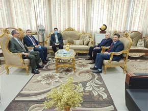رئيس جامعة دمياط يستقبل كمال درويش رئيس لجنة قطاع التربية الرياضية | صور