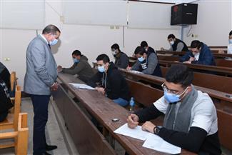 رئيس جامعة سوهاج يتفقد امتحانات نهاية الفصل الدراسي الأول |صور