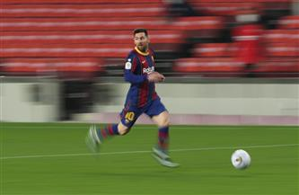 ميسي يصنع هدفين في فوز برشلونة على أوساسونا بالدوري الإسباني