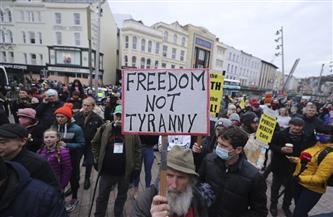 القبض على 6 أشخاص في أيرلندا على خلفية مظاهرات مناهضة للإغلاق