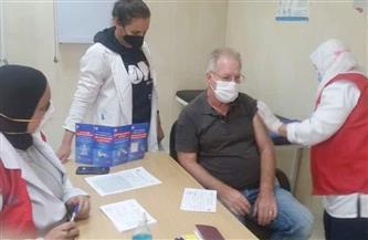 وكيل وزارة الصحة بالبحر الأحمر يتابع فعاليات التطعيم بلقاح فيروس كورونا بالغردقة   صور