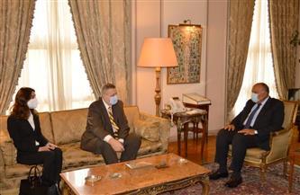 سامح شكري يناقش مع المبعوث الأممي تطورات الأزمة الليبية