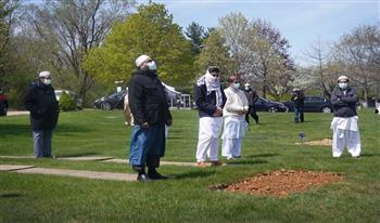 """وصلت تكاليف الجنازة  لـ 10 آلاف دولار.. تحديات دفن """"موتى كورونا"""" المسلمين في أمريكا"""