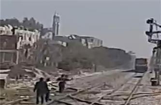 """شاهد عيان على حادث قطار أبو تشت: """"المرأة تمر بأزمة نفسية"""""""