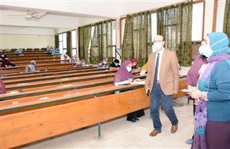 نائب رئيس جامعة أسيوط يتابع سير امتحانات الدراسات العليا بكلية التمريض | صور