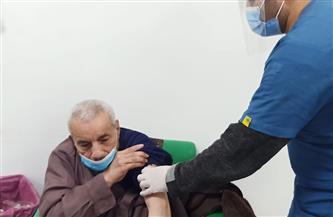 تزايد أعداد كبار السن وأصحاب الأمراض المزمنة بمستشفى قلين بكفر الشيخ لتلقي لقاح كورونا | صور