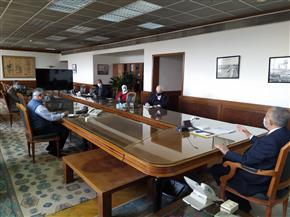 وزيرالري يستعرض إجراءات البدء في مشروع تحسين نوعية مياه مصرف كيتشنر