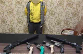 ضبط عنصر إجرامي بدمياط لاتجاره في الأسلحة النارية
