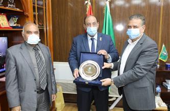 محافظ المنوفية يستقبل رئيس الاتحاد العام للجمعيات والمؤسسات الأهلية | صور