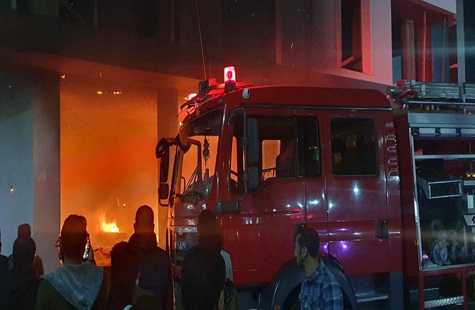 السيطرة على حريق فى شقة بالأميرية وإصابة شخصين