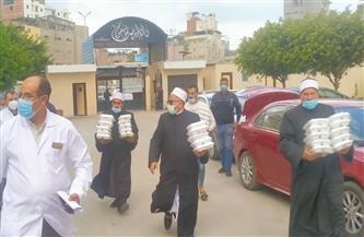 توزيع 100 وجبة طعام على مرضى وعمال مستشفى الصدر بدمياط | صور