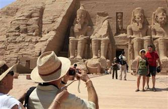 مصر تستقبل 500 ألف سائح في 3 أشهر.. والإيرادات 800 مليون دولار