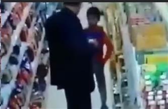 والد الطفل المُعتدى عليه داخل أحد فروع السلاسل التجارية بالمنصورة: عاوز حق ابني