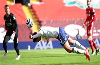 تريزيجيه يغادر الملعب باكيا بعد الإصابة أمام ليفربول