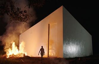 «الشارقة للفنون» و«معهد إفريقيا» يستضيفان العرض الأول بالشرق الأوسط لفيلم «مكعب أبيض»