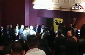 الجاليات التونسية تغني النشيد الوطني أمام الرئيس التونسي قيس سعيد بالأوبرا| فيديو