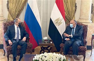 وزير الخارجية يلتقي نظيره الروسي بقصر التحرير   صور
