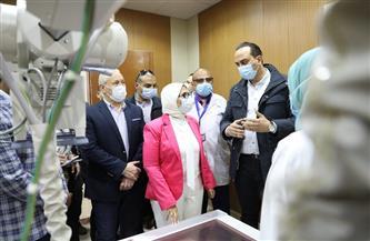 خالد مجاهد يقدم شرحًا مفصلاً عن منظومة الميكنة داخل وحدة طب أسرة الطود |صور
