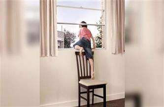 سقوط طفل من شرفة الدور الثالث بمنية سندوب