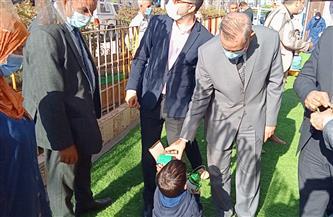 محافظ كفر الشيخ يوزع فوانيس رمضان على الأيتام بدور الرعاية | صور