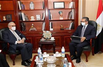 وزير السياحة والآثار يبحث مع سفير إيطاليا بالقاهرة سبل التعاون بين البلدين